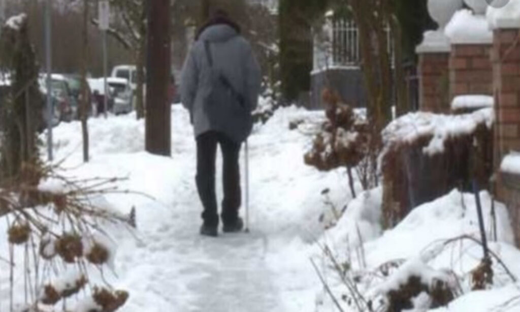 Sidewalk Snow Clearing Comes to Midtown
